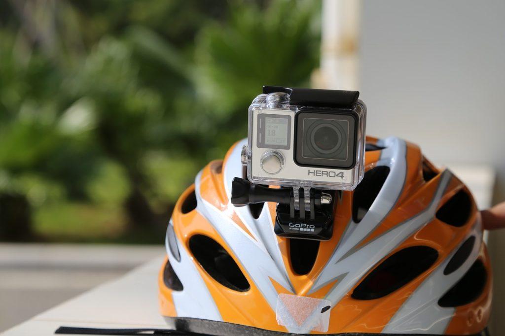 GoPro Hero 4 en un casco de bicicleta