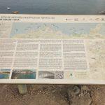 Cartel sobre Tufia y la Playa de Tufia
